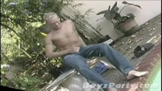 Brandon Baker enjoys wanking outside