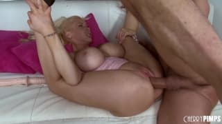 Candy Manson loves to fuck his dick