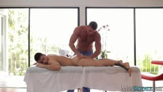 Calvin Koons gets a massage from his mate