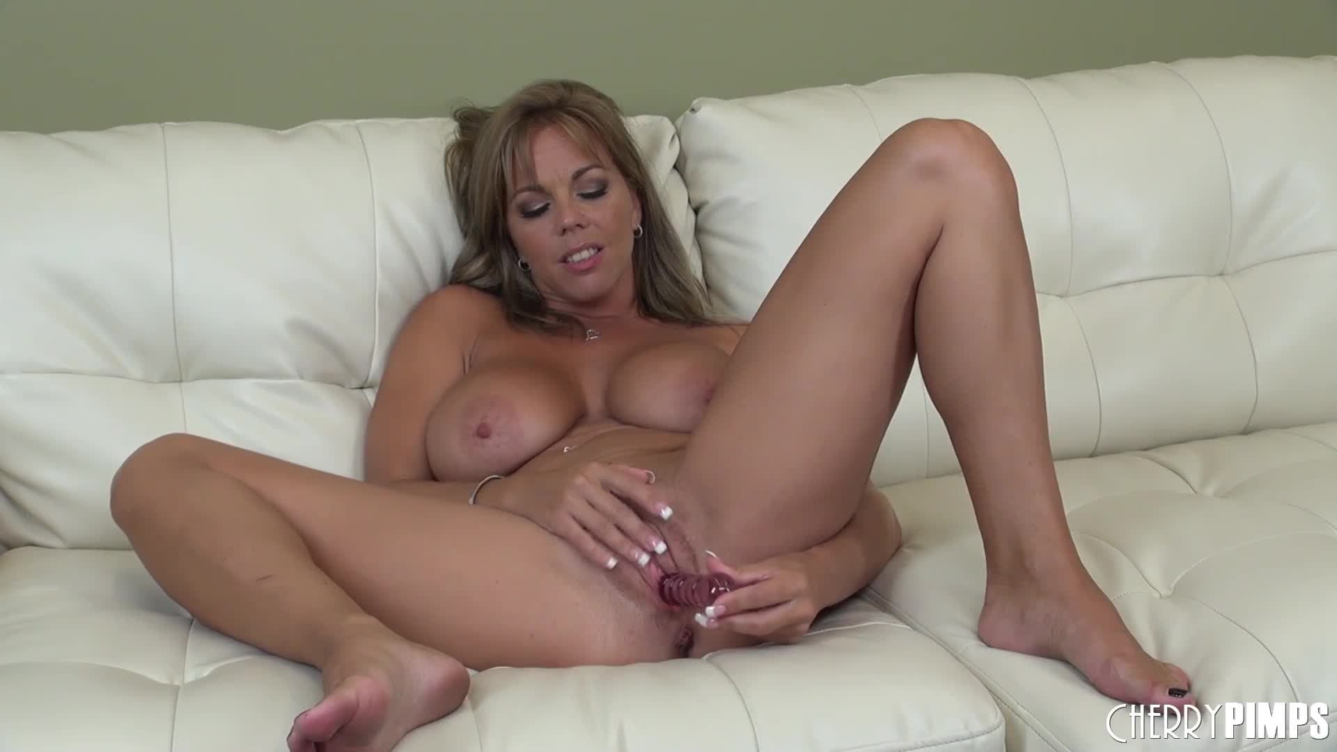 Amber Lynn Porn Clips amber lynn touches herself on the couch - porndig