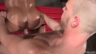 Brian Bonds fills the ass of David Benjamin
