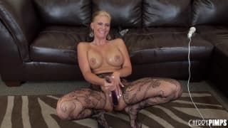 Phoenix Marie plays with her stockings on