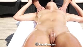 This gorgeous blonde has her body oiled