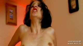 Mature brunette shows her experience