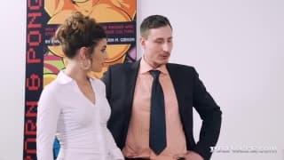 Julia Rocca wants a pussy fucking