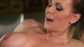 Tanya Tate sucking Marina Angel's cunt