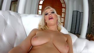 Allison Blond loves to fuck in gonzo's