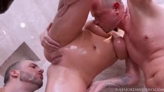 A deep double penetration for her today