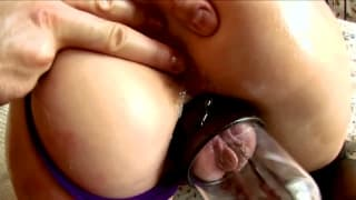 This sexy slut has sextoys to play with!