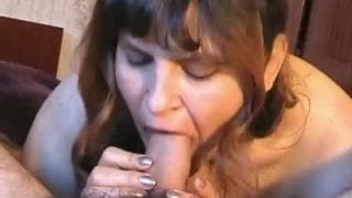 She pleases her husband with her juicy mouth