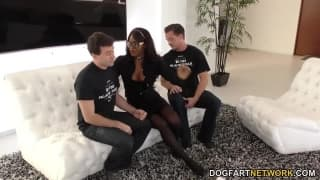 Jasmine Webb loves to fuck in threesomes