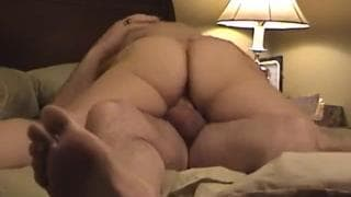 Amateur couple fucking in a hotel room