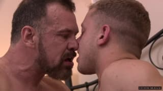 Ian Levine penetrates the ass of Max Sargent