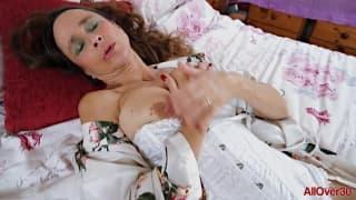 Josie posie is a 51 year old sexpot