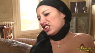 Sexy Arabian babe gets a double fuck