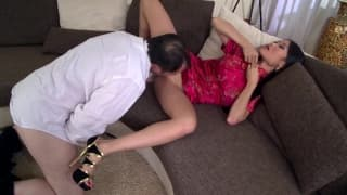 This Asian babe knows how to suck well