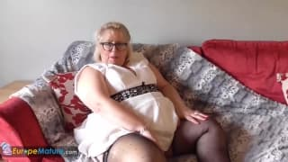 Mature chubby European lady plays solo!