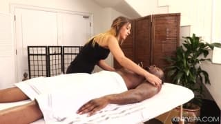 Jaye Summers gives a massage to a black guy