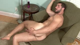 Dean Monroe shows us his tight ass and dick