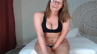 Chubby milf shows her hot body on webcam