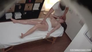 Massaging a Hot gril until she wants sex