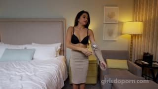 Young asian babe wants to do porn per life