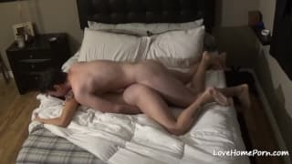 An amateur college couple fucking in bed