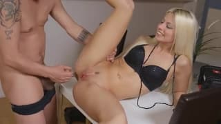 Jesse is a blonde getting it deep in her ass