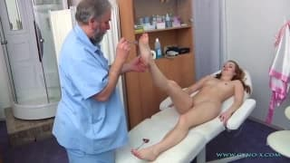 Denisa gets a nude medical gyno exam
