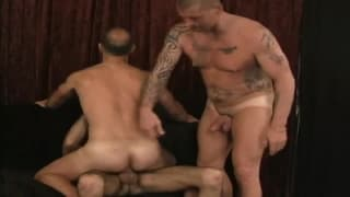 A hot threesome with deep anal sex!