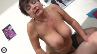 Mature MILF Kaysha loves young dick