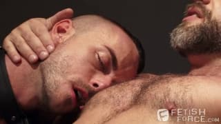 Dirk Caber and Jessie Colter caressing