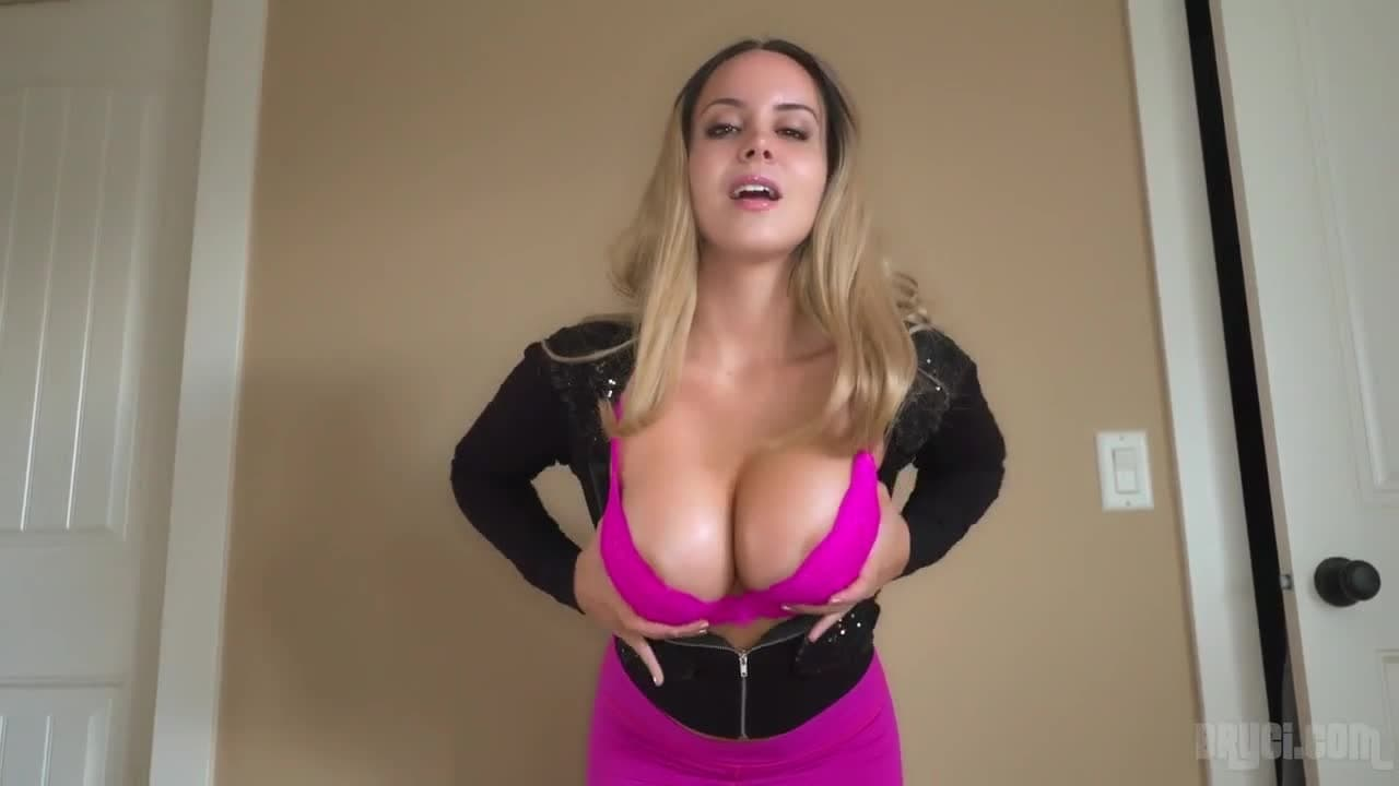 Busty Titfuck amazingly busty blonde gives head and titfuck