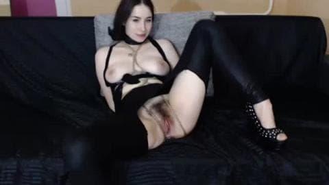 Vickypeaches slave girl rough pussyhitting
