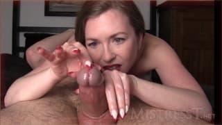 Amazingly hot Handjob by mature mistress