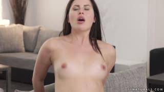 Russian brunette in sweet anal fuck