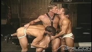 Badass vintage threesome for you to wank to
