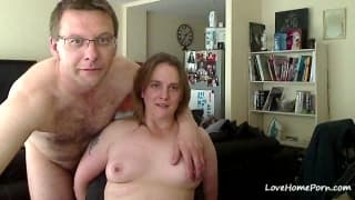Mature couple fucks on webcam record everything