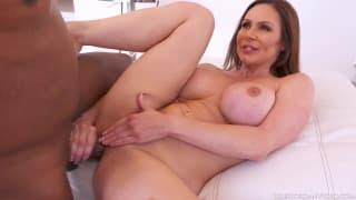 Kendra's mature body demands the biggest cock
