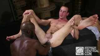 Race Cooper and Byron Saint anal fisting