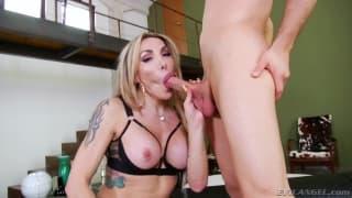 Busty Tranny Eva Paradise likes deep anal sex