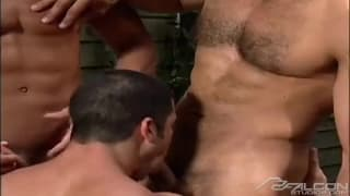 Roman Heart and Jed Willcox in a threesome