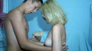 Blonde teen babe is fucked with no condom