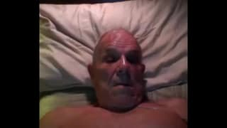 This mature guy loves to fuck himself