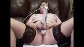 Mature amateur redhead getting masturbating