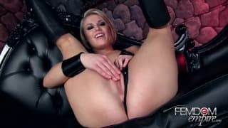 Ash Hollywood - Jerk it for your mistress